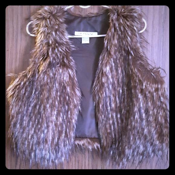 rezrekshn Jackets & Blazers - Women Vest